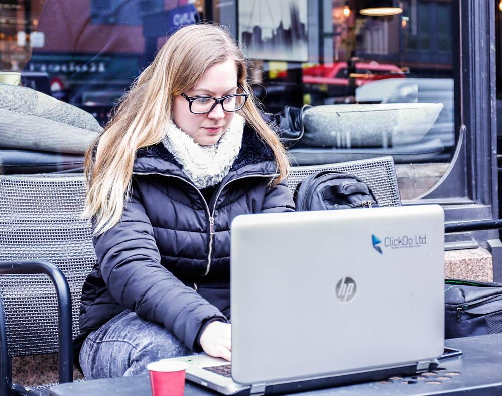 Nicole Venglovicova wokring on videography work in London