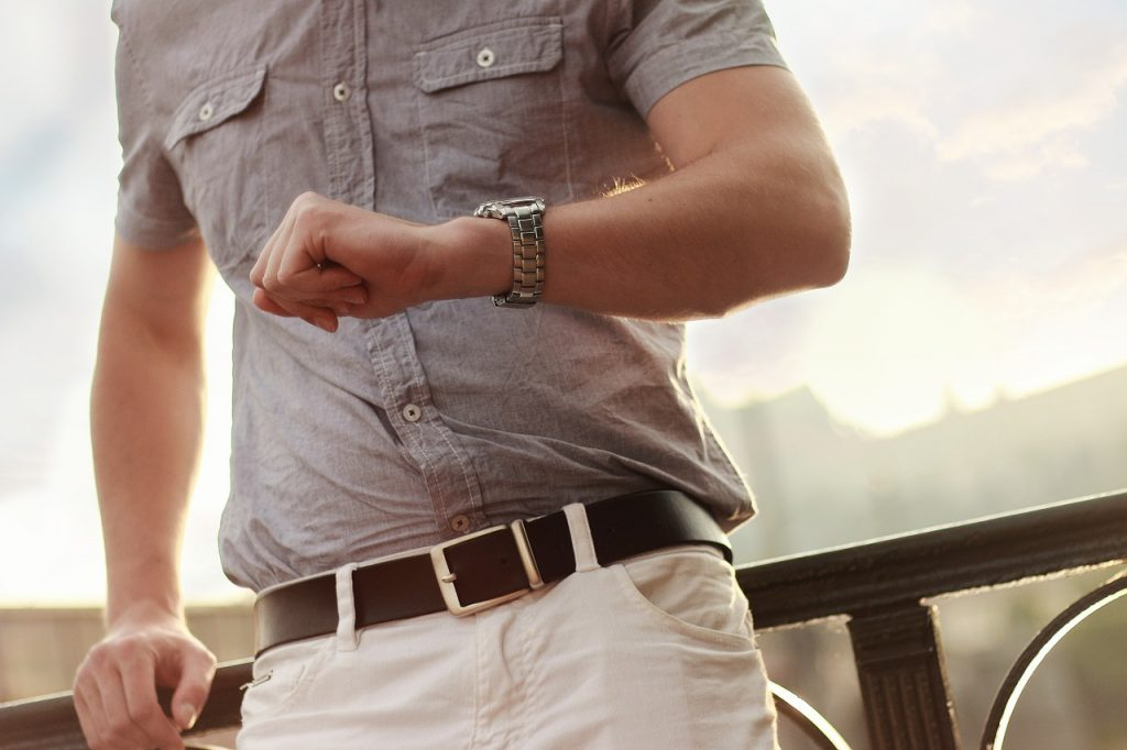 things to consider before buying watches online