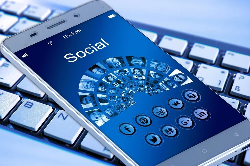 digital tracker -social media trend