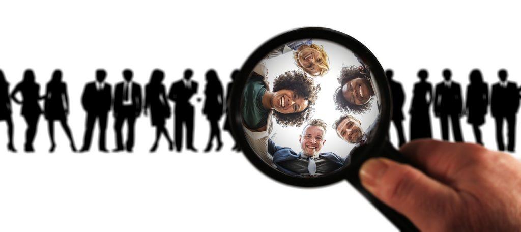 Customer target group for relationship building
