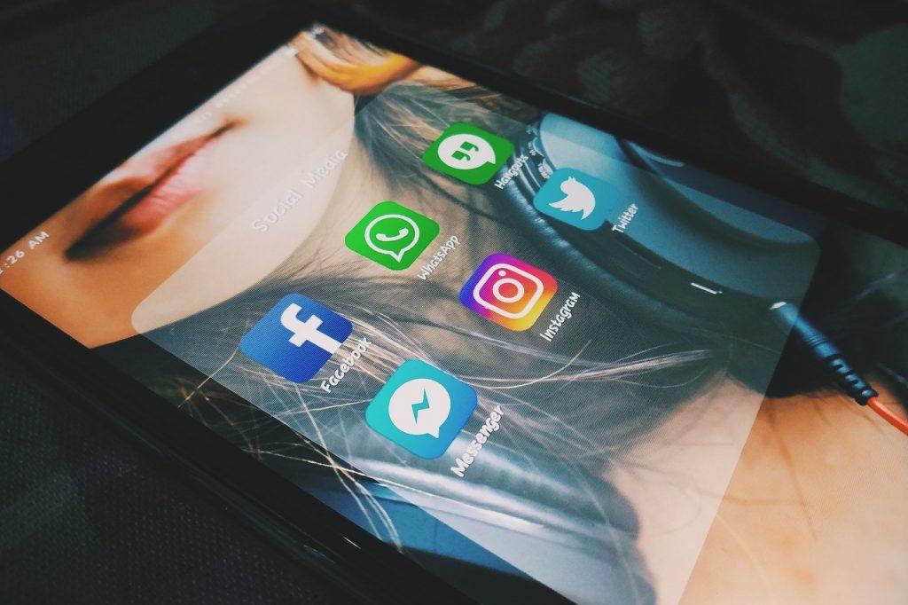 Facebook Messenger Tracker