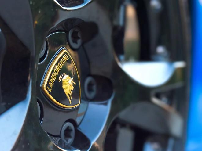 status symbol in Italy