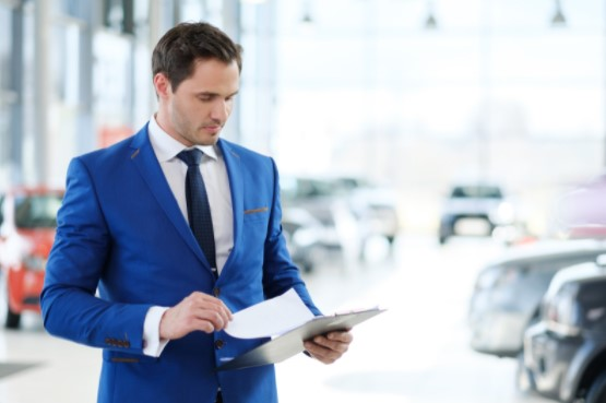 renting a luxury Car for business trip in dubai