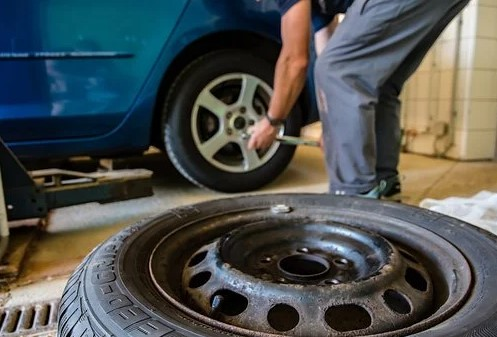 Inspect Tyres